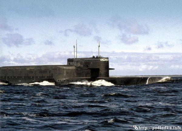 Атомный ракетоносец проекта 667 БД в море
