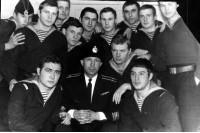 Домой. Фото напамять с командиром Новицким ГГ - я слева ноябрь 1968 Гремиха