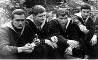 Группа моряков К-27